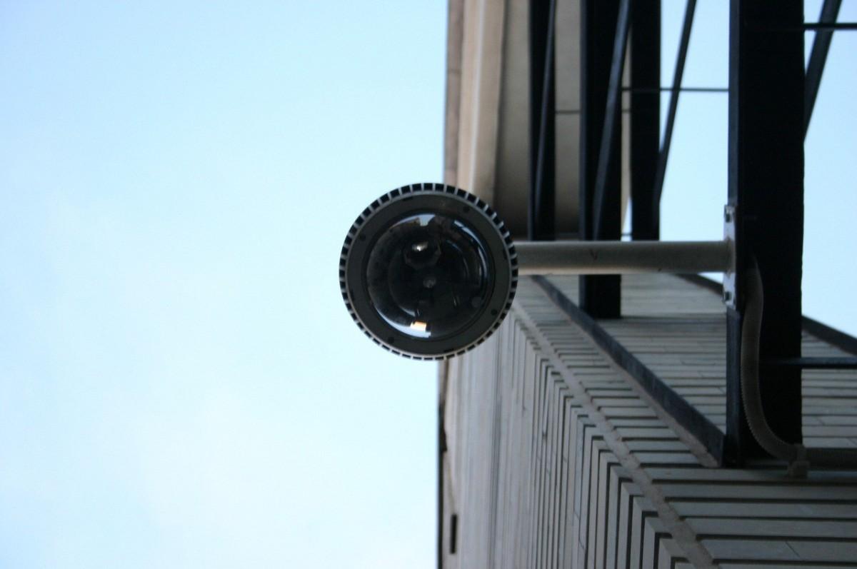 Kamery telewizji przemysłowej analogowej a cyfrowej