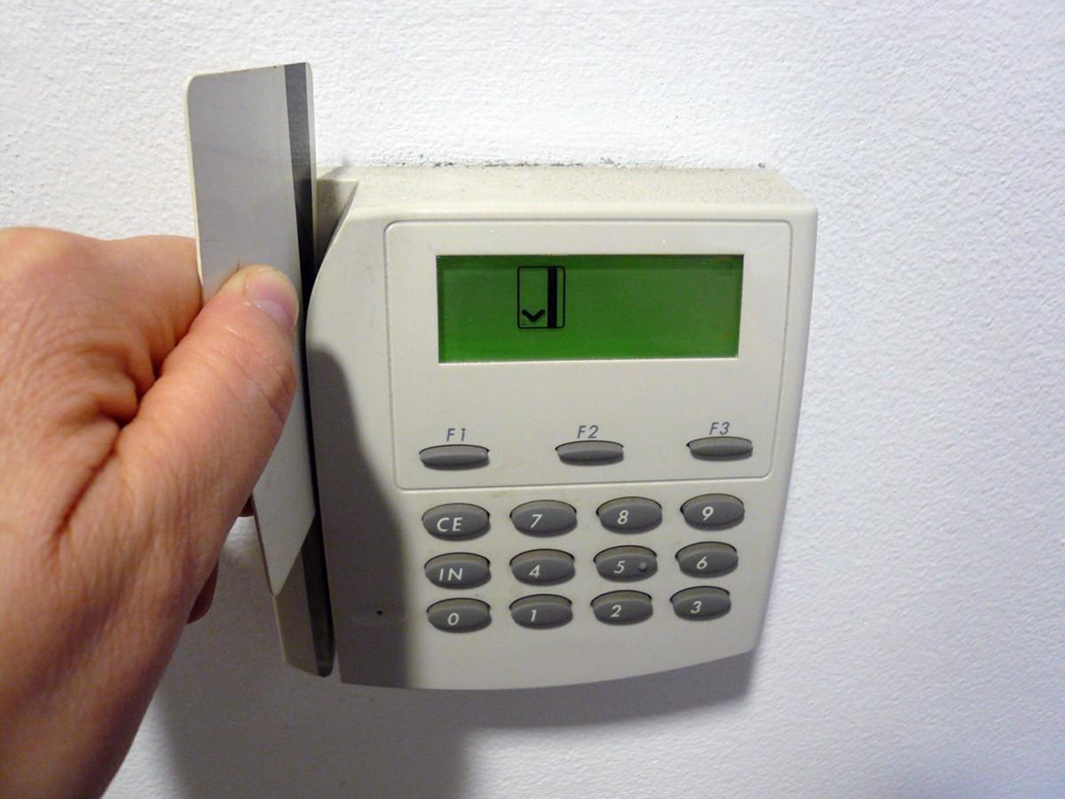 Rozbudowa alarmów w małej firmie